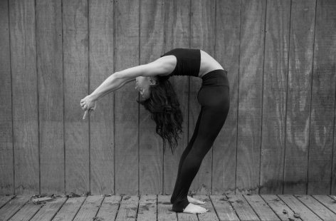 november2015-yoga-bw (1 of 1)